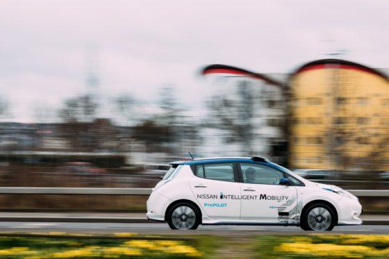 Nissan presenteert prototype zelfrijdende auto