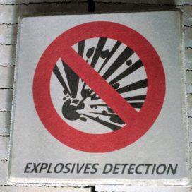 Maaiveld: Intelligente stoeptegel spoort explosieven op