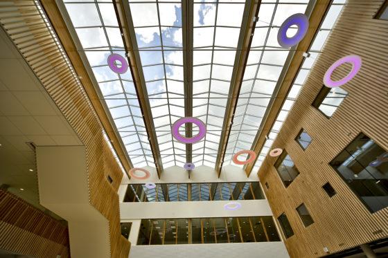 Frits Philips Lyceum voorzien van 2.000 ledarmaturen
