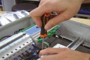 CE-markering besturingskasten: wie is eindverantwoordelijk?