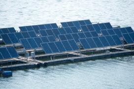 Oceans of Energy ontwikkelt drijvende zonnefarm op zee