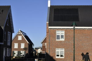 Waarom schakelt een zonne-energiesysteem bij te veel zon automatisch uit?