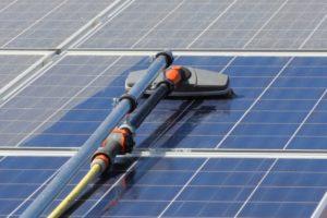 Hoe maak je zonnepanelen schoon?