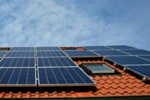 'Consument kan ontwikkelingen zonnepanelen niet bijhouden'