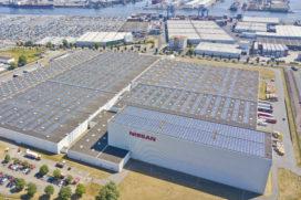 Nissan neemt groot collectief zonnedak in gebruik