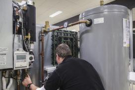 Hoe word je een goede warmtepompmonteur?