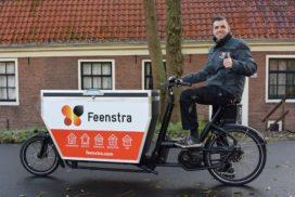 Feenstra-monteurs met elektrische bakfiets naar klant